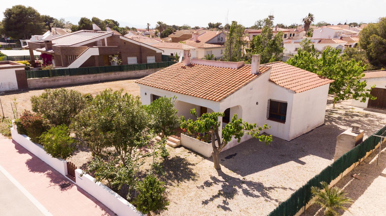 Pavillon /chalet -                                       Riumar -                                       3 chambres -                                       6 occupants